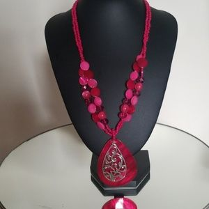 Fuschia necklace set